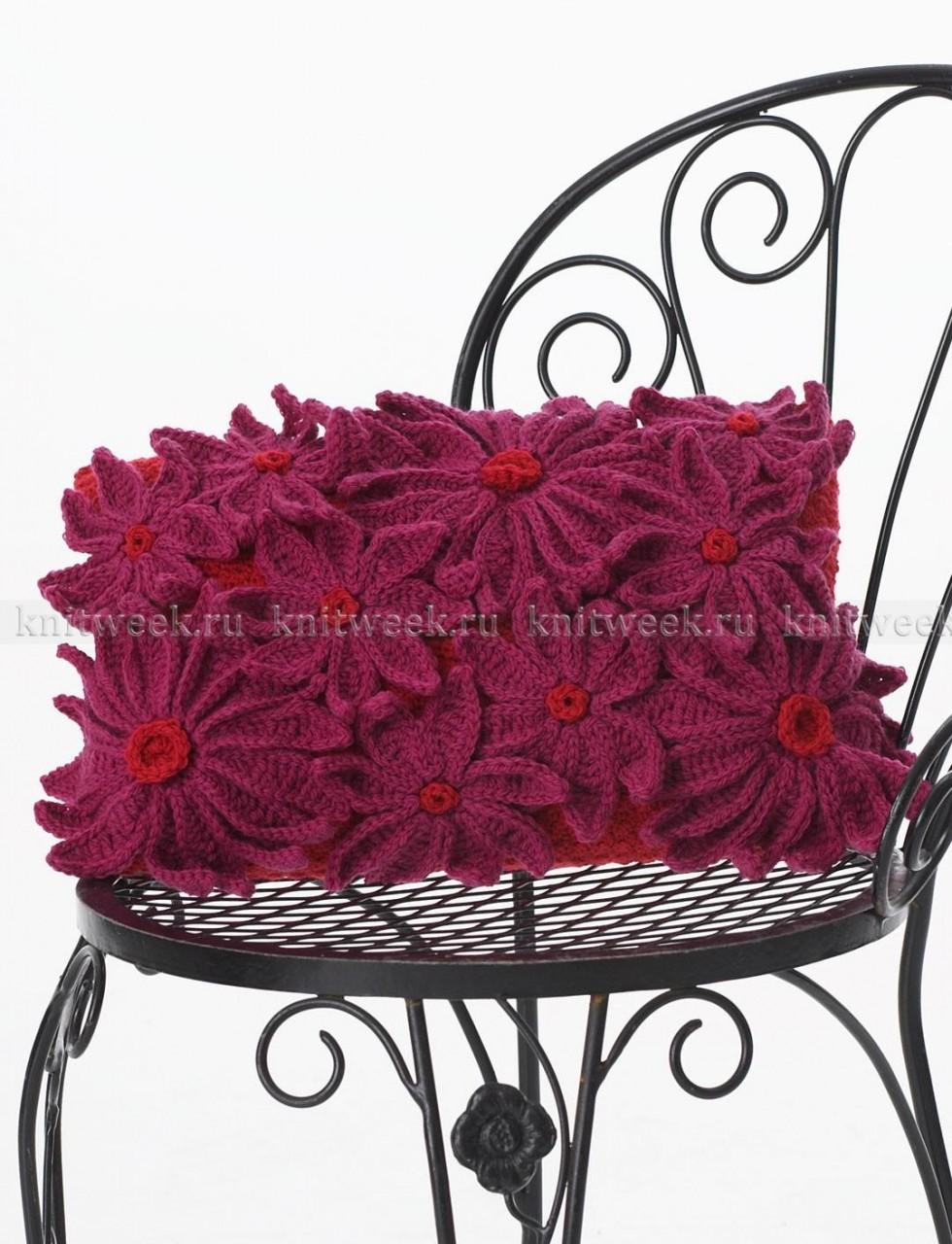 Цветочная подушка крючком