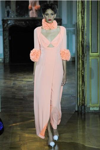����� Ulyana Sergeenko Couture �� ������ ������� ����
