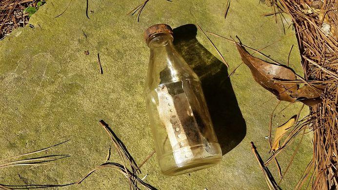 Жительница Миссисипи нашла послание в бутылке. И его авторов