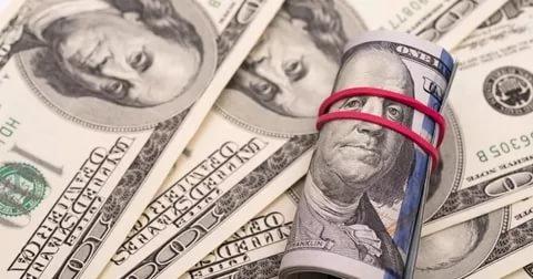 Отказ РФ от госдолга США оправдан: в Штатах предсказали фиаско доллара