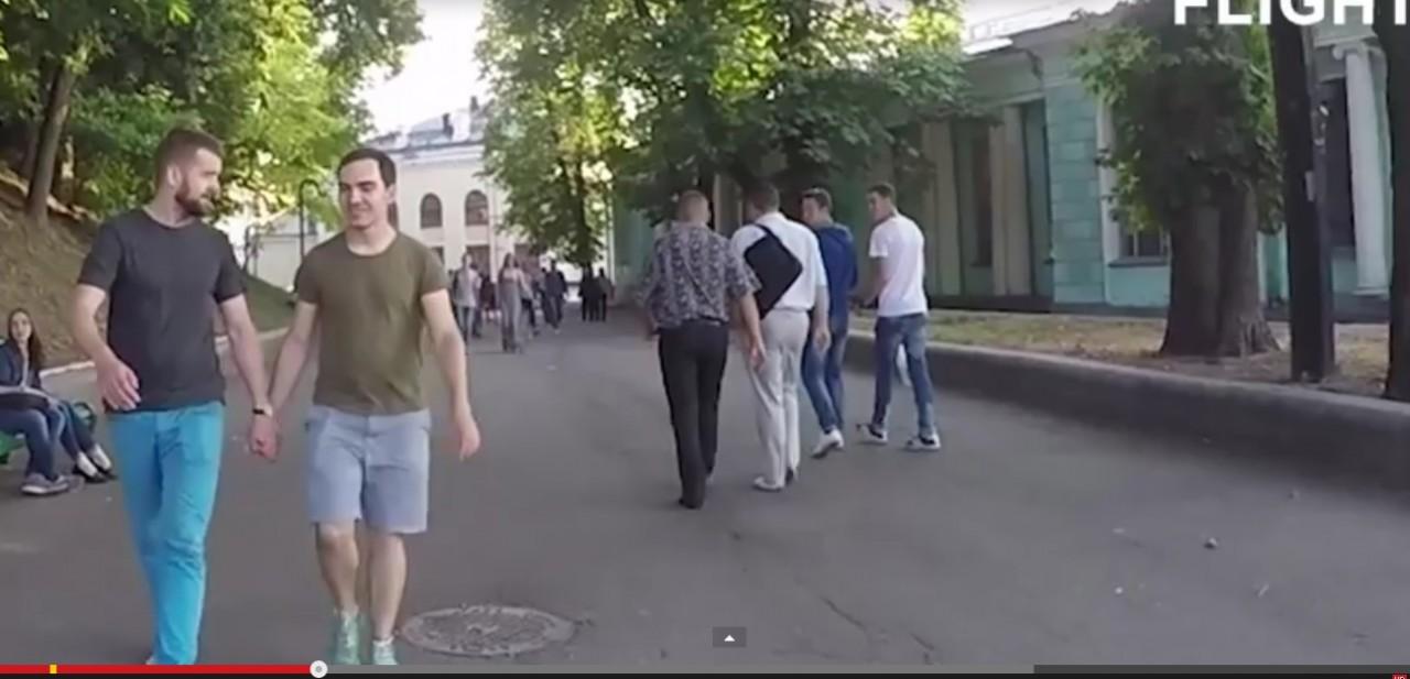 """""""Толерантные"""" киевляне, которые хотят в ЕС, зверски избили геев."""
