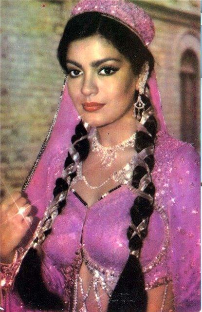Индийская красавица актриса Зинат Аман