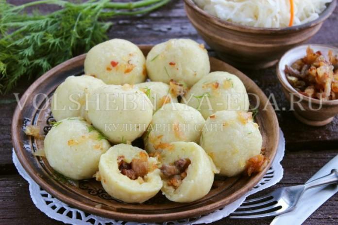 Картофельные кнедлики с беконом