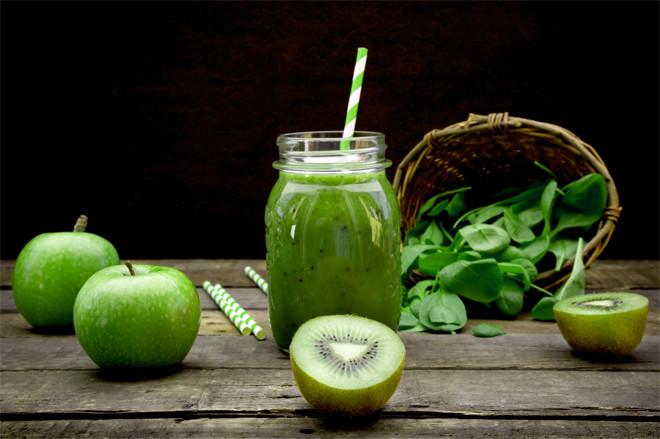 Смузи с зеленым яблоком