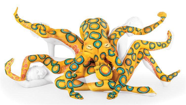5. Осьминог боди-арт, художник, человек-змея