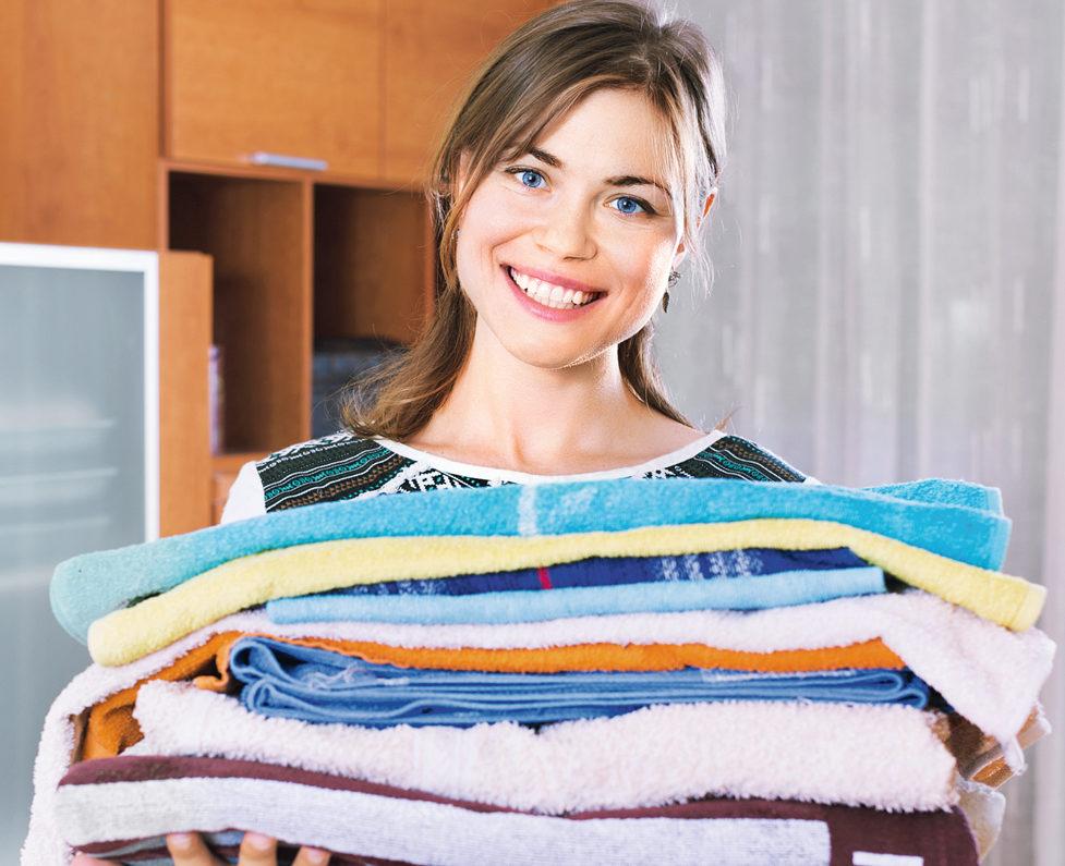 Как вывести пятна с одежды дома?