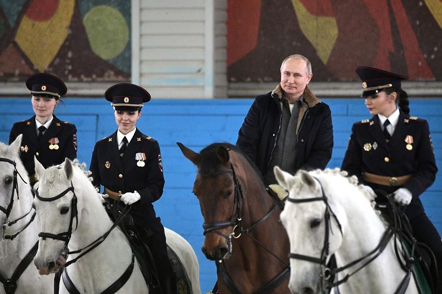 Как относиться к американскому закону о доходах Путина?