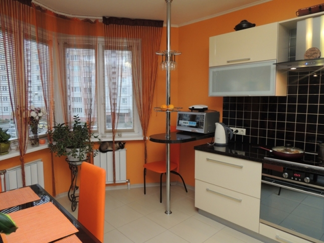 Дизайн кухни 12,5 кв.метров с эркером и барной стойкой