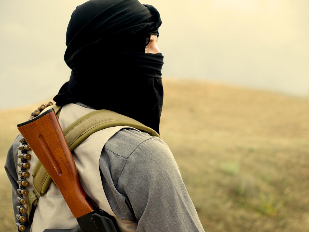 Как террористы из ИГИЛ вербуют женщин в Интернете
