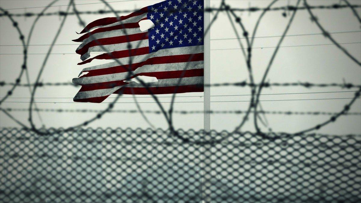 Репрессии Трампа: мигрантов отправят на военные базы США