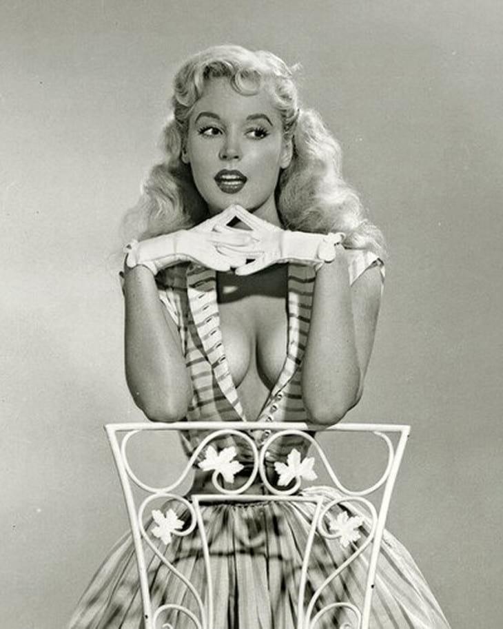 Легендарная красотка 50-ых, которая была популярна не меньше, чем Мерилин