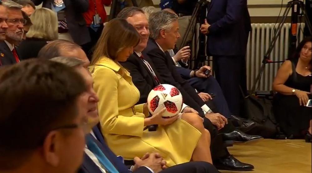Мяч на стороне США