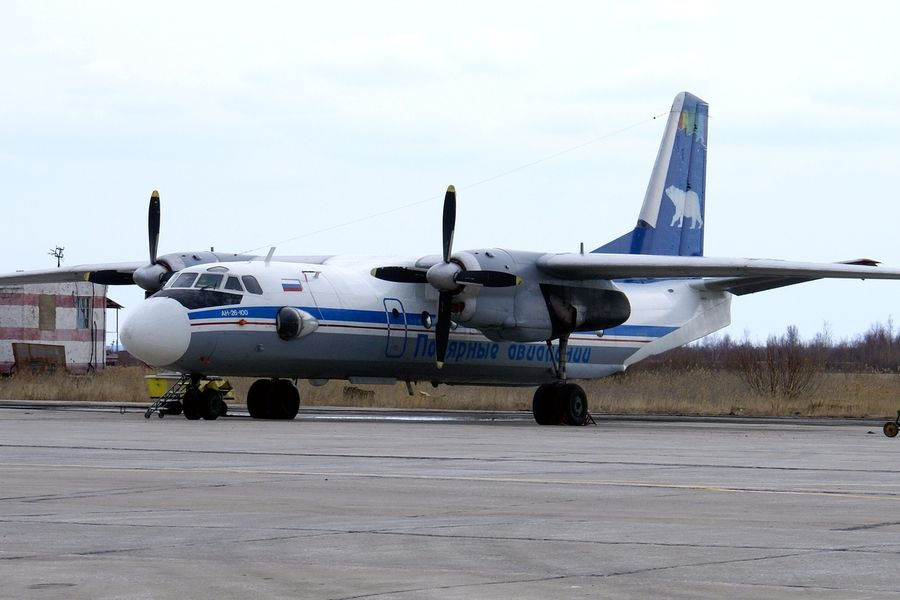 Самолет Ан-26 столкнулся с «Газелью» в аэропорту Якутска