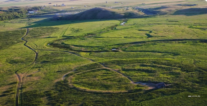 Аркаим, Стоунхендж, Амурские столбы - что общего у этих древних памятников?