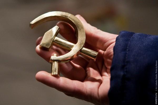 Советским людям говорили «Не чувствуй», Или про жизнь в скафандре