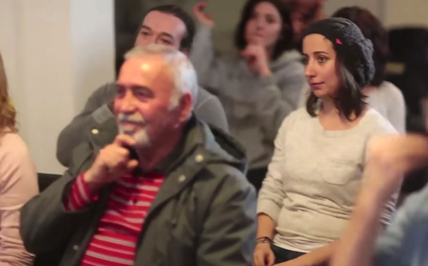 town-learns-sign-language-deaf-muharrem-samsung-video-call-center-8