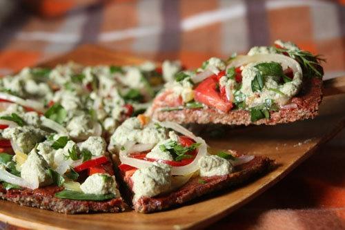 Как делать пиццу из сырых продуктов