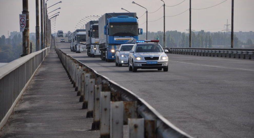 Можно ли обгонять колонну транспорта, которую сопровождает ДПС?