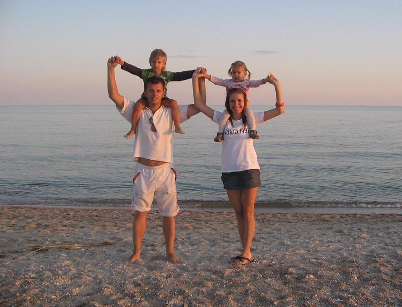 Как правильно организовать отдых с маленьким ребенком на море