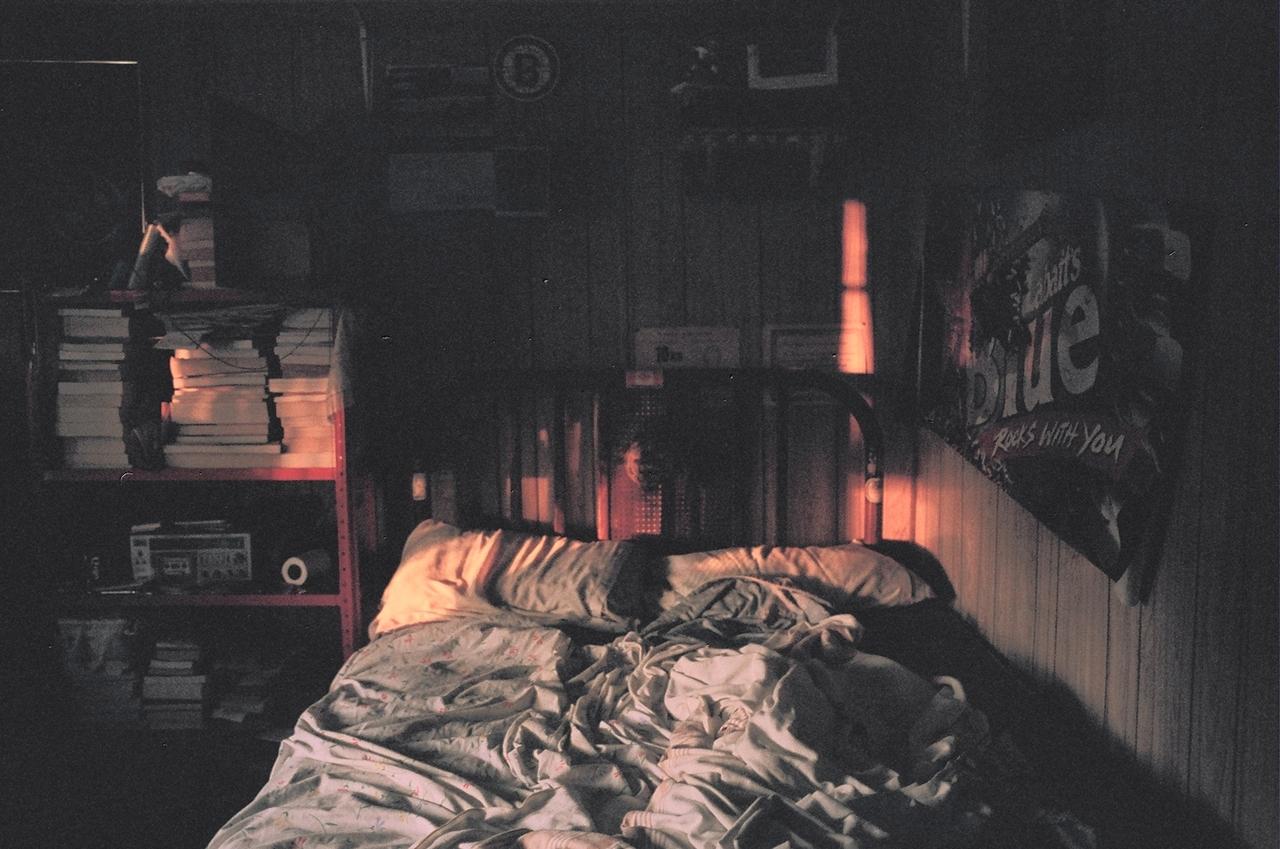 Пробрался ночью в спальню к маме и 10 фотография