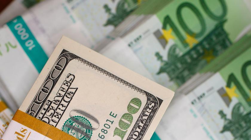 В России могут ввести строгие валютные ограничения