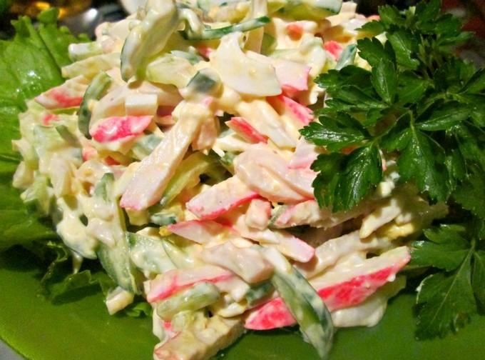 Крабовый салат в кальмаре