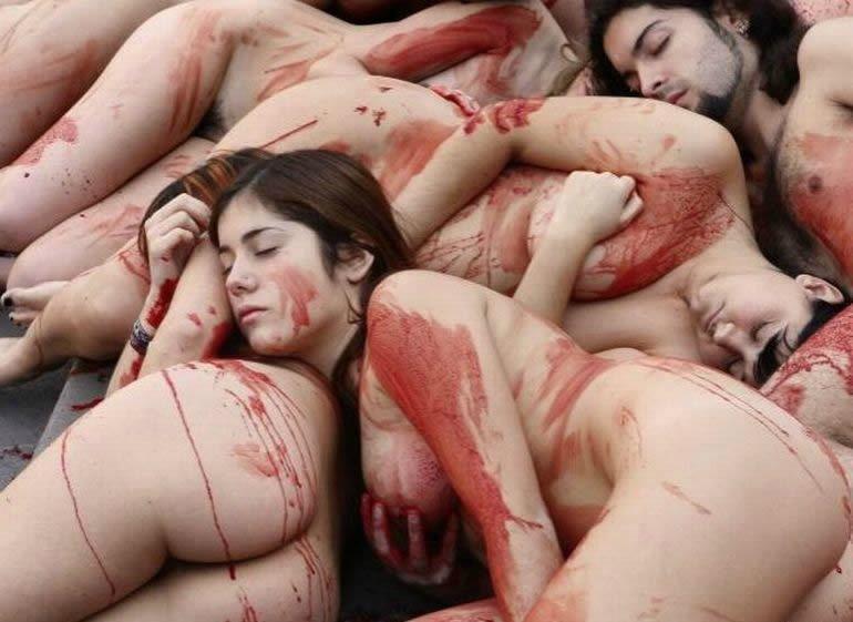 Убивают девушек видео как и фото голых