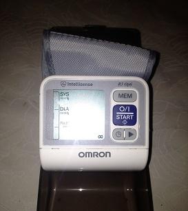Продам: Тонометр Omron (мерить давление)