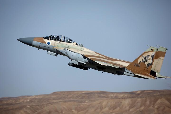 ВВС Израиля нанесли серию авиаударов по сектору Газа