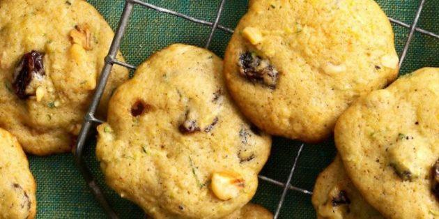Рецепты кабачков в духовке: Пряное печенье с кабачками, орехами и изюмом