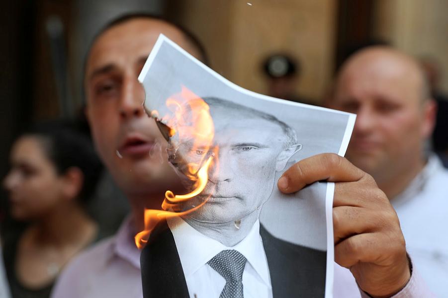 Путин поступил мудро? Вы поддерживаете решение не вводить санкции против Грузии?