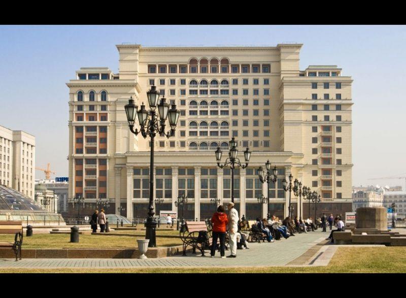 Для чего снесли гостиницу Москва и сожгли здание Манежа