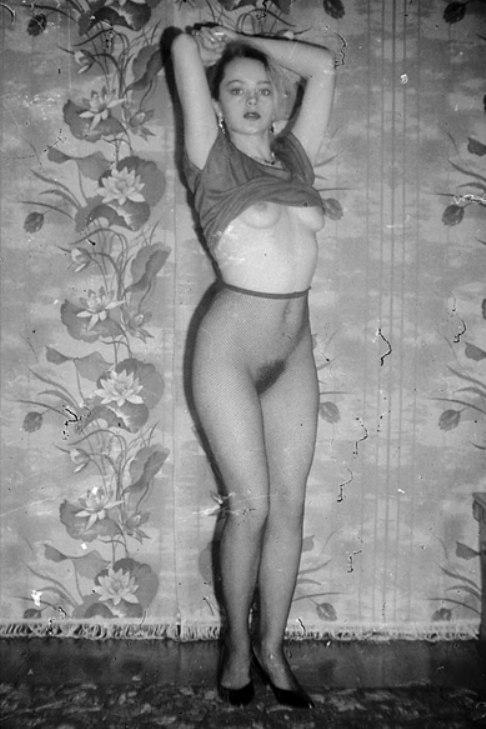 Женщины голые в полный рост фото