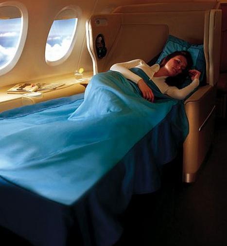 Крупнейший авиалайнер А380 повышенной комфортности