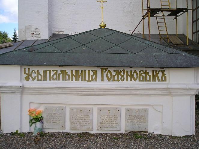 7 чудесных историй Троице-Сергиевой лавры