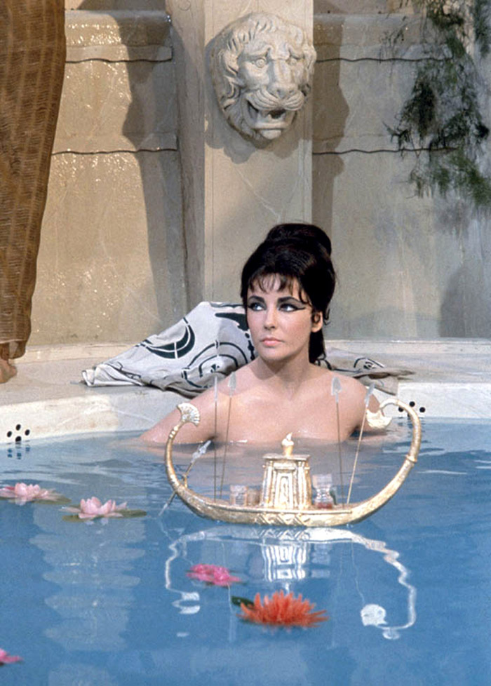 Элизабет Тейлор (Elizabeth Taylor) на съемках фильма «Клеопатра» (Cleopatra) (1963), фото 10