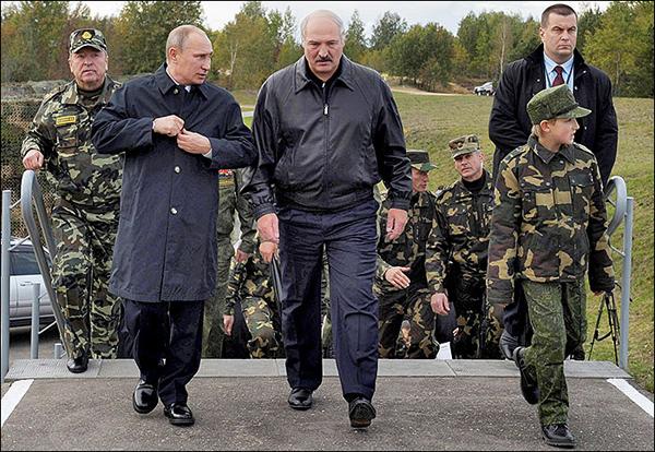 За белорусский плацдарм Москва готова платить миллиарды