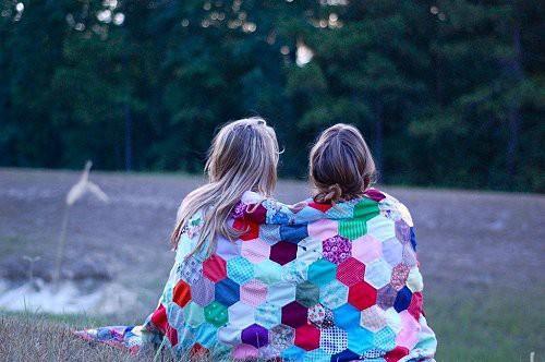 Моя дорогая… Возможна ли дружба между бедной и богатой подругой?