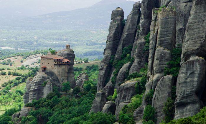 Фото Монастыри Метеоры, Греция. 18 (700x422, 67Kb)