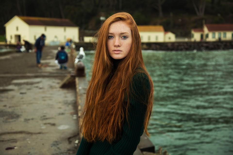Работы художника, который  путешествует по миру в поисках женской красоты