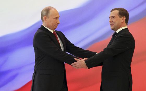http://www.voanews.com/MediaAssets2/russian/2012_05/putin_medvedev.jpg