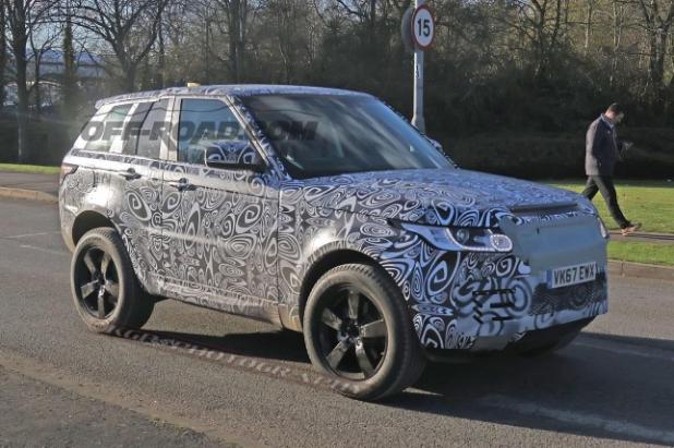 Шпионские снимки новой версии Range Rover Evoque появились в Сети