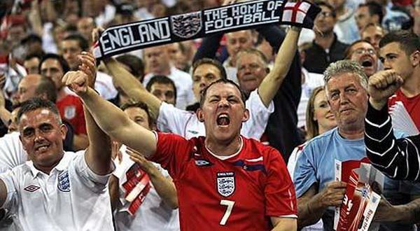 Фанаты сборной Англии во время матча с Россией оскорбляли Путина