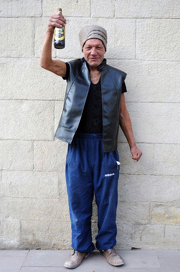 55 летний львовский бомж самый модный бездомный в мире (5)