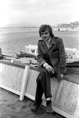 Malcolm MacDowell 1973 (321x480, 47Kb)