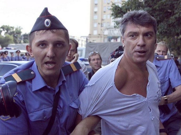 О мертвых плохо не говорят, или что надо знать о господине оппозиционере Немцове