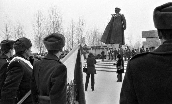 Открытие памятника маршалу Коневу. Краков. Польская Народная Республика. 1987 год.