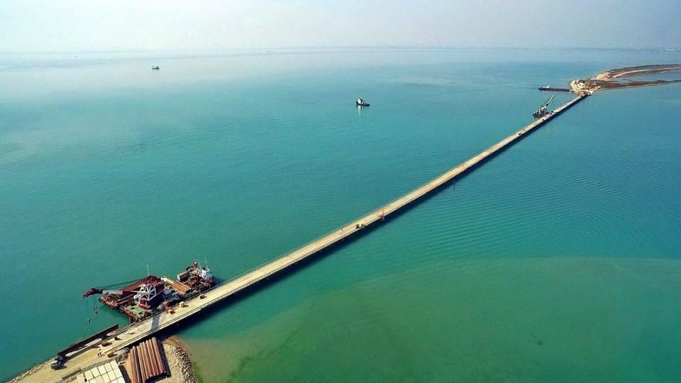 Мост в Крым: свежие фото