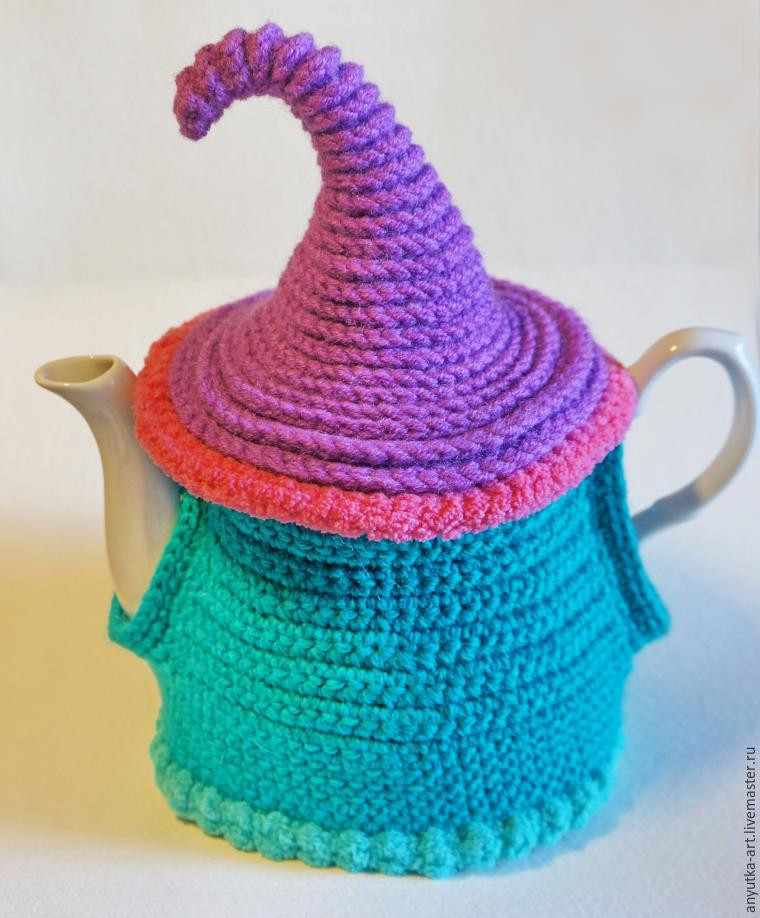 Вяжем грелку на чайник «Сказочный домик»