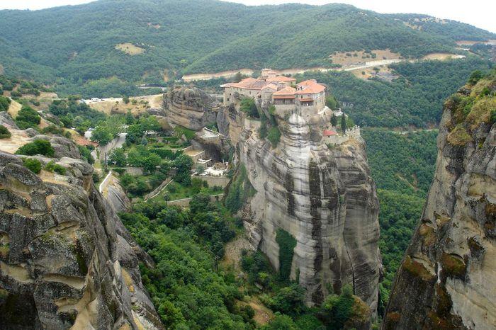 Фото Монастыри Метеоры, Греция. 07 (700x466, 88Kb)